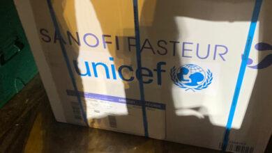 Photo of سانوفي تتبرّع بمجموعات الطوارىء الصّحية ولقاحات الكزاز والأدوية الأساسية اللازمة لتلبية الاحتياجات الإنسانية